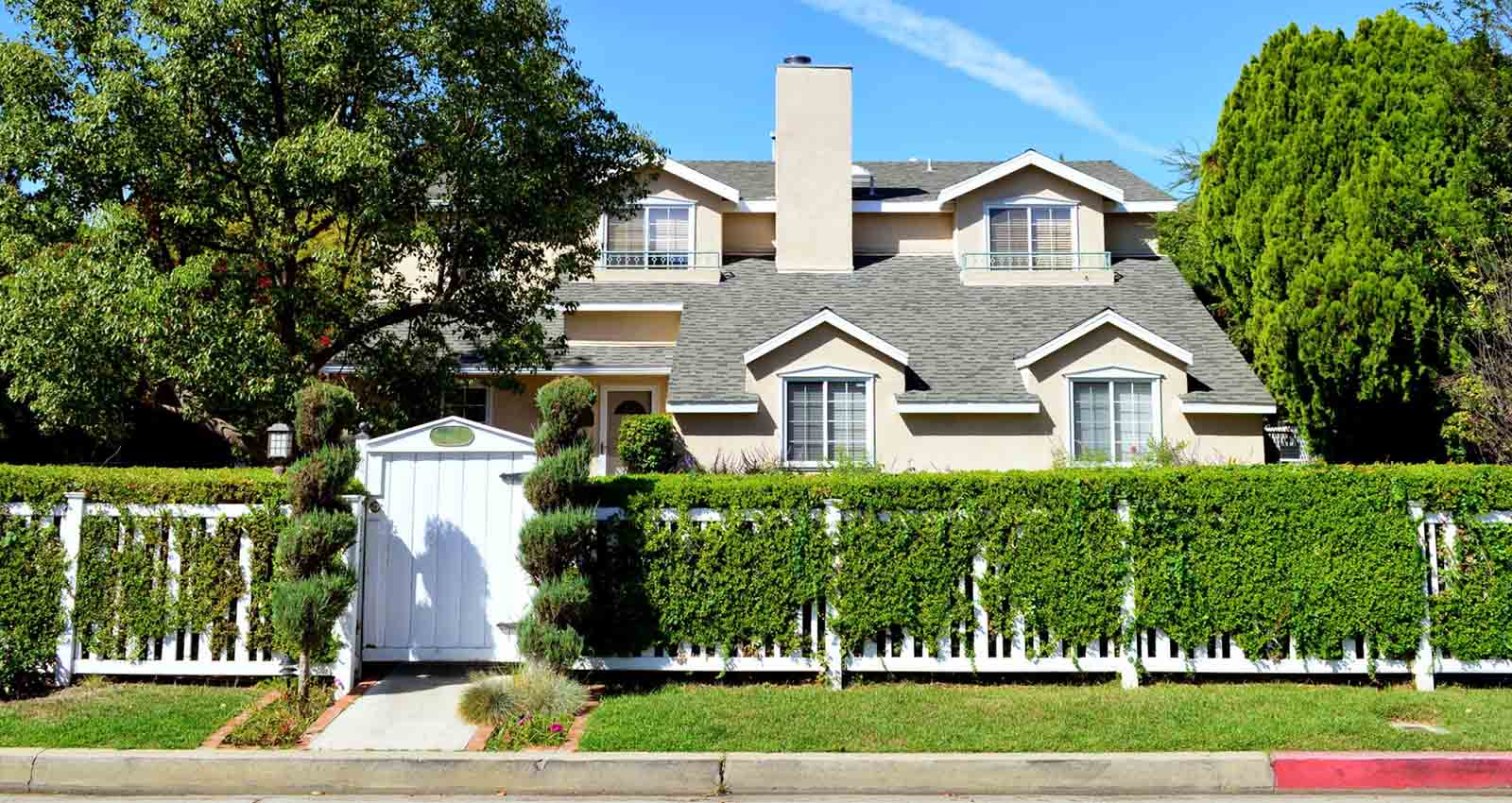 Woodland Hills Real Estate and Homes