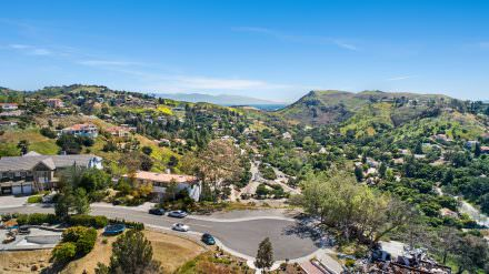 18 Stallion Road Bell Canyon, CA 91307